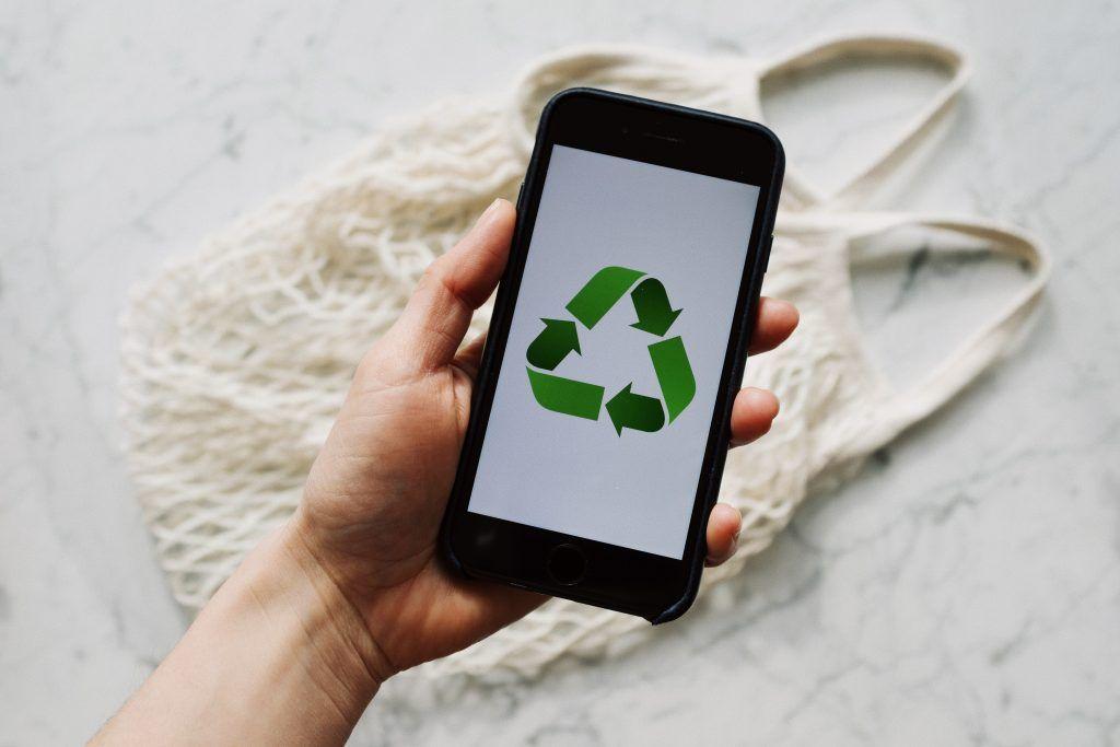 Logo de recyclage pour montrer qu'il est possible de recycler son contenu sur Pinterest