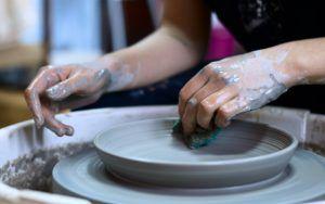 artisan en poterie