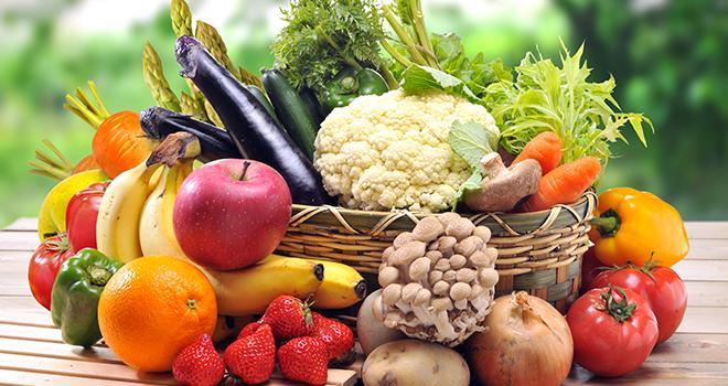 Consommer des fruits et des légumes de saisons a plusieurs bienfaits, pour vous et pour la planète. Afficher le calendrier des fruits et légumes de saison dans la cuisine.